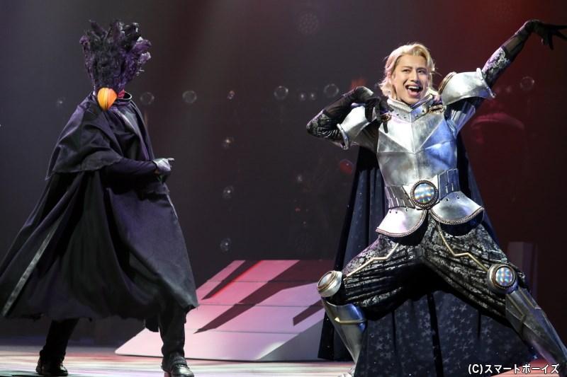 (左から)常闇踏陰役の松原 凛さん、青山優雅役の橋本真一さん