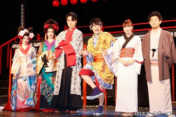 (左より)武藤十夢さん、愛原実花さん、入江甚儀さん、崎山つばささん、中野あいみさん、柳亭小痴楽さん