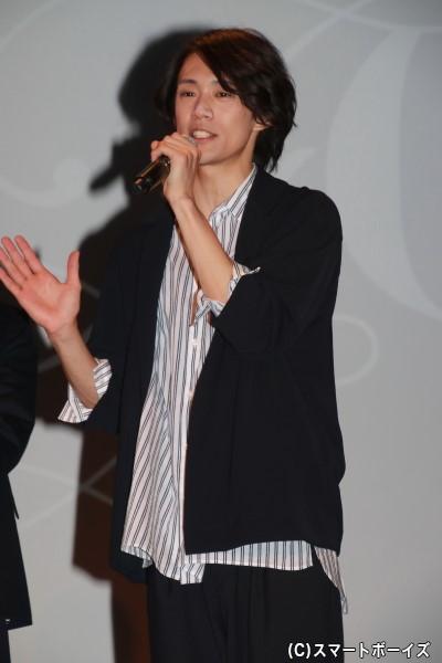 前川優希さん 担当カラーは「BLUE」、担当フレグランスは「ハーバルノート」