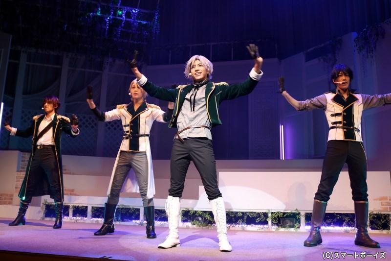 1幕・芝居パートの劇中でも、2ユニットがパフォーマンスを披露します
