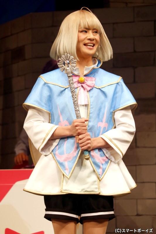 泣く子も拝むカリスマの持ち主、セレンファーレンの第一皇子・リュゼ役の大見拓土さん