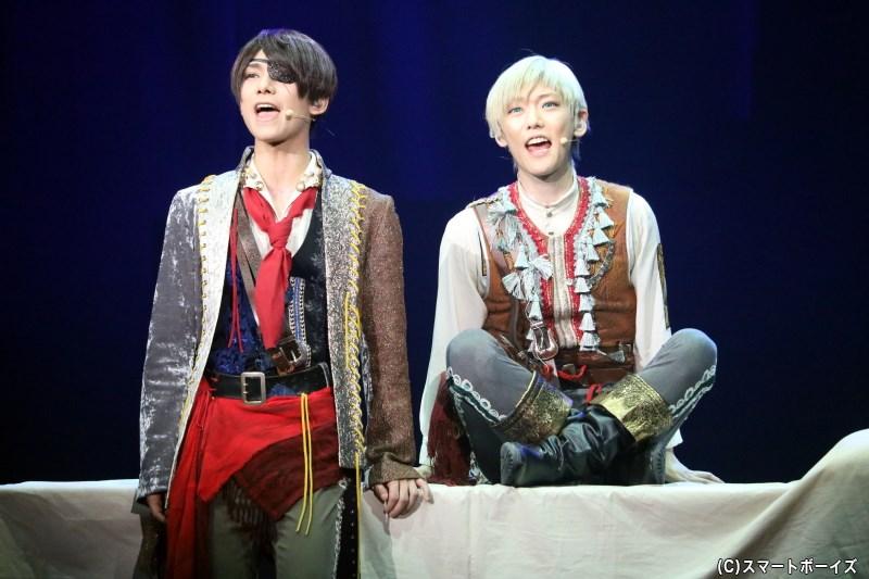 (左から)申渡栄吾asアルベール役の北川尚弥さん、辰己琉唯asクリス役の櫻井圭登さん