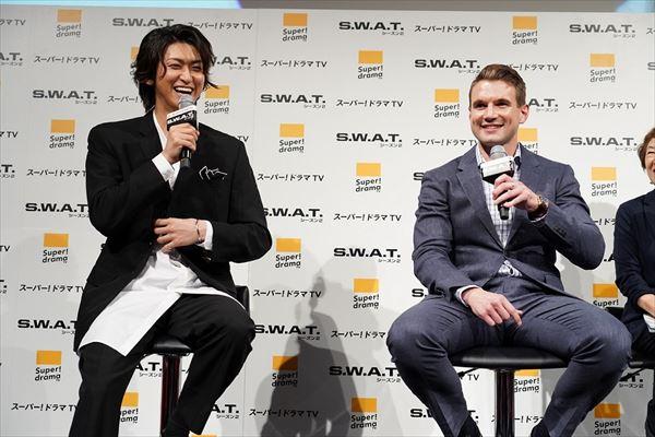 相葉裕樹さんとアレックス・ラッセルさん