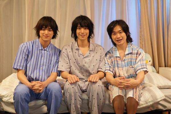 小山内三兄弟(左から眞嶋秀斗さん、黒羽麻璃央さん、鳥越裕貴さん)