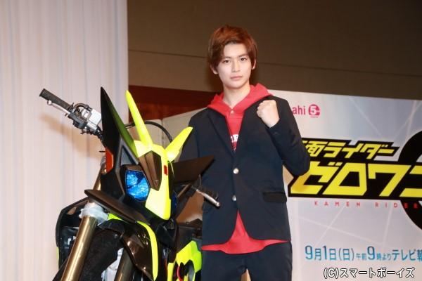 現在18歳の高橋さんは21世紀生まれ初の仮面ライダー主演!