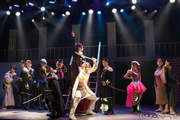 新時代に舞い戻ったヒーローが舞台オリジナルストーリーで躍動!