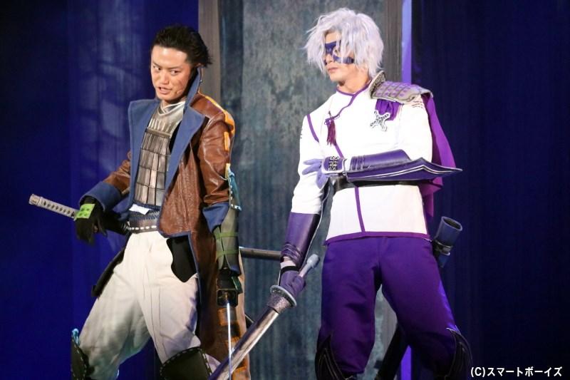 片倉小十郎役の井上正大さん(左)、竹中半兵衛役の末野卓磨さん(右)