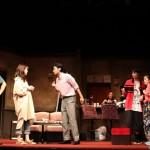 荷物とともに紐解かれていく、劇団員たちの歪な関係とは……