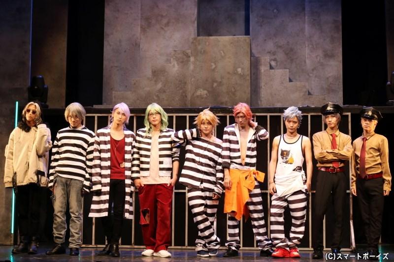 (左から)松本旭平さん、馬庭良介さん、輝海さん、杉江優篤さん、堂本翔平さん、山内圭輔さん、佐藤慎亮さん、萩原 匠さん、中島一博さん