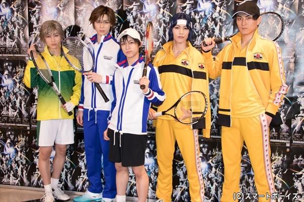 (左より)増子敦貴さん、青木瞭さん、阿久津仁愛さん、立石俊樹さん、田鶴翔吾さん