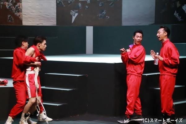 島はボクシングの名門・不破高校に入学し日本一を目指す