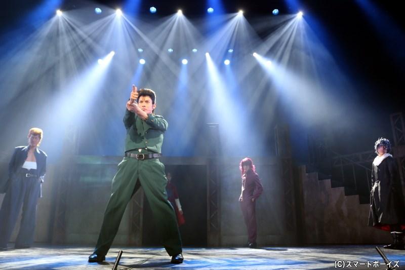 『幽☆遊☆白書』のキャラクター&必殺技が、多彩な演出でステージに登場!