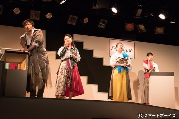 アパレルブランド❝ランヴィーヌ❞の店員たち(左より、日向野祥さん、みやなおこさん、奥村佳代さん、矢島舞美さん)