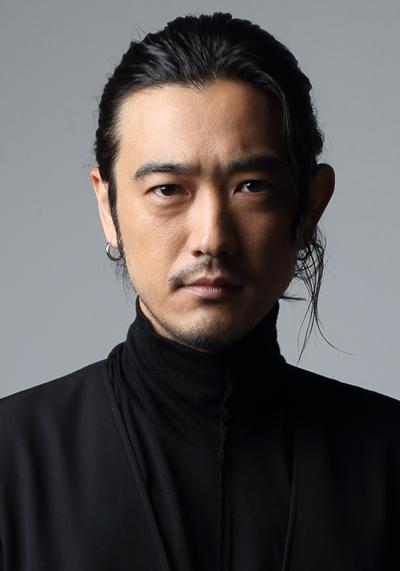 モンテ・クリスト伯爵役の谷口賢志さん