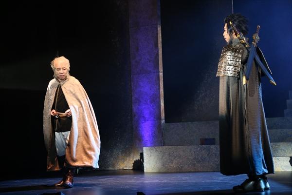 (右)キシュワード役の村田洋二郎さん、(左)バフマン役の佐久間祐人さん