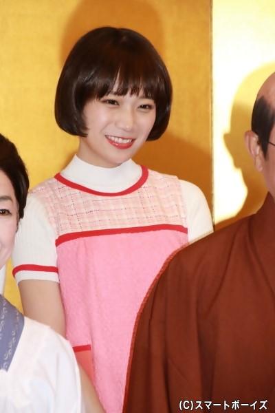 磯野ワカメ役の秋元真夏さん(乃木坂46)
