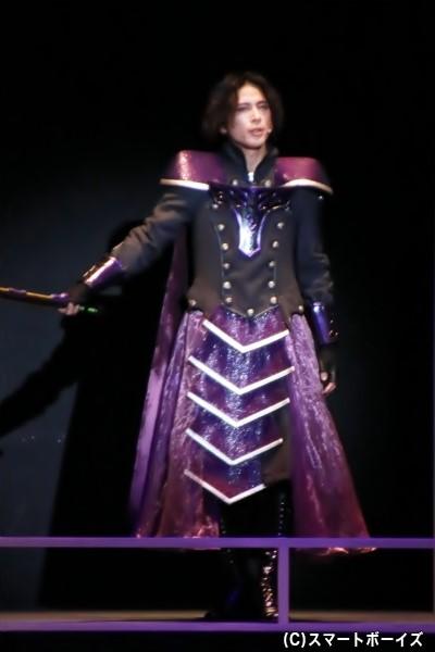 惑星テリオから惑星アバンを攻めるために派遣された将軍シャルム・フィーラー役の杉江優篤さん