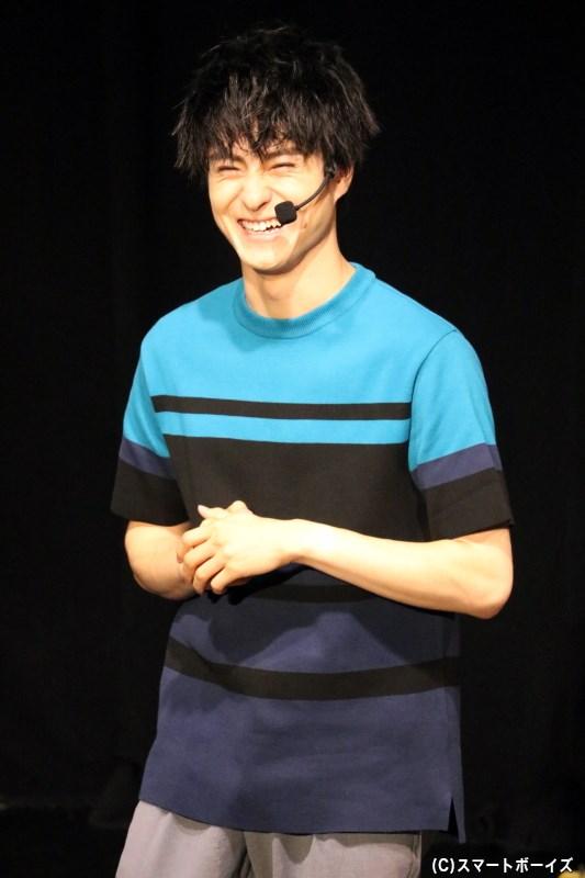 第1部ではさわやかなブルーの衣装で登場した、この日の主役・松村龍之介さん