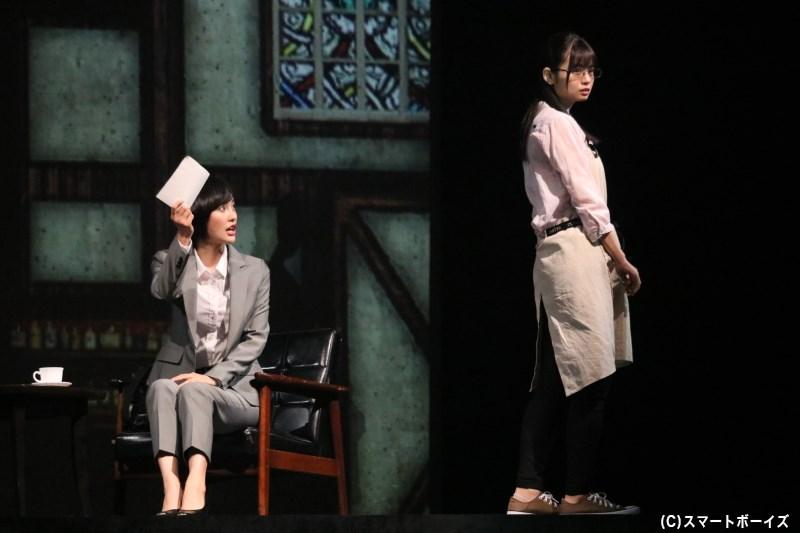パク・ヨンオク記者役の兒玉 遥さん、ミスキム役の西葉瑞希さん 容疑者役のグァンスさん(手前)