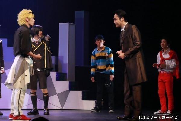 和泉宗兵さん演じる黒野幕男の正体は?