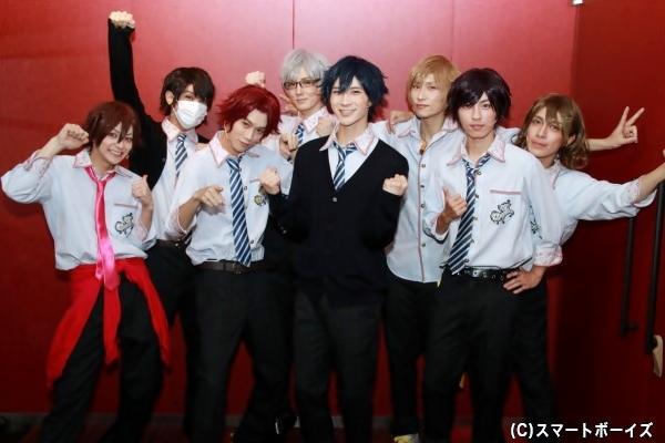 (左より)佐川大樹さん、松岡佑季さん、國島直希さん、岩崎良祐さん、大隅勇太さん、輝海さん、矢代卓也さん、橘りょうさん