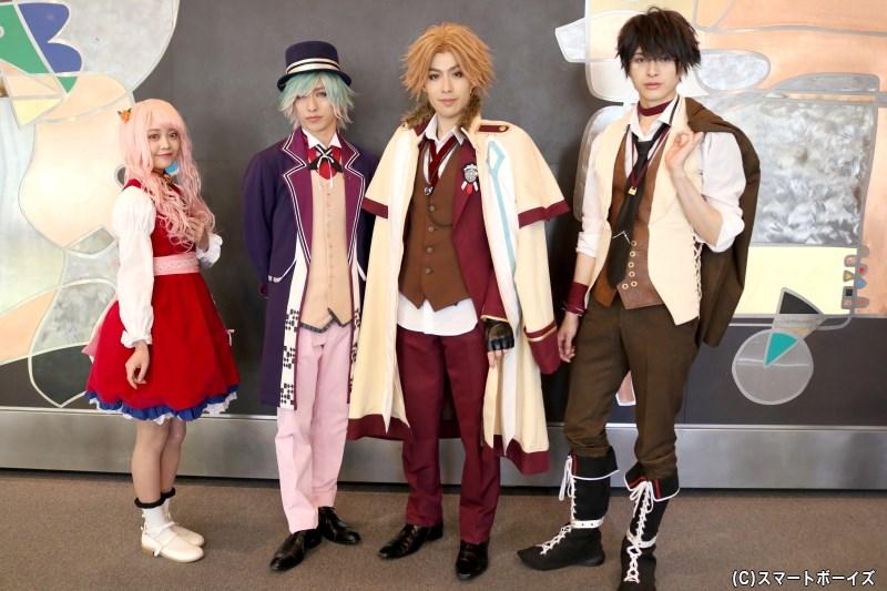 (左より)一村すみれさん、谷佳樹さん、神永圭佑さん、遊馬晃祐さん