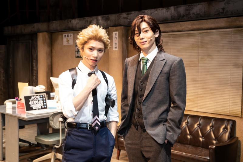 (左から)ショウ役の植田圭輔さん、レイジ役の染谷俊之さん