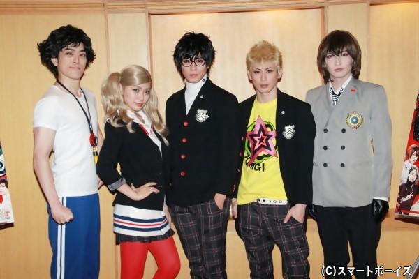 (左より)髙木俊さん、御寺ゆきさん、猪野広樹さん、塩田康平さん、佐々木喜英さん