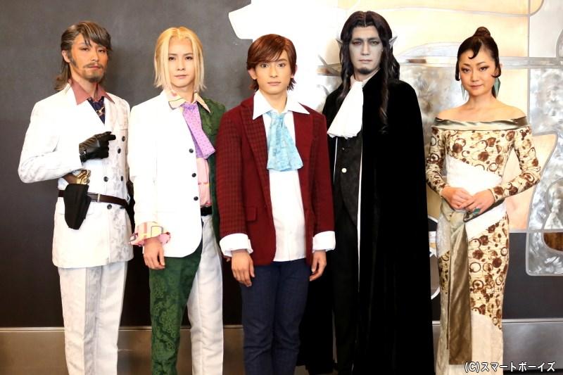 (左から)徳山秀典さん、前嶋 曜さん(JBアナザーズ)、橋本祥平さん、谷口賢志さん、遠山景織子さん