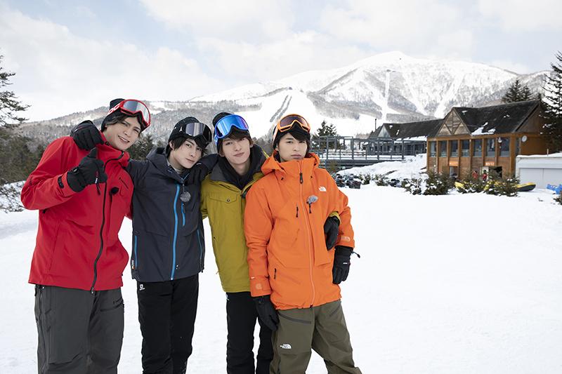 (左から)北海道編:小波津亜廉さん、松村龍之介さん、菊池修司さん、高本学さん