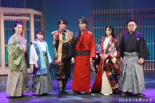 (左より)栗原彰文さん、田野優花さん、鷲尾修斗さん、徳山秀典さん、小泉萌香さん、印南俊太朗さん