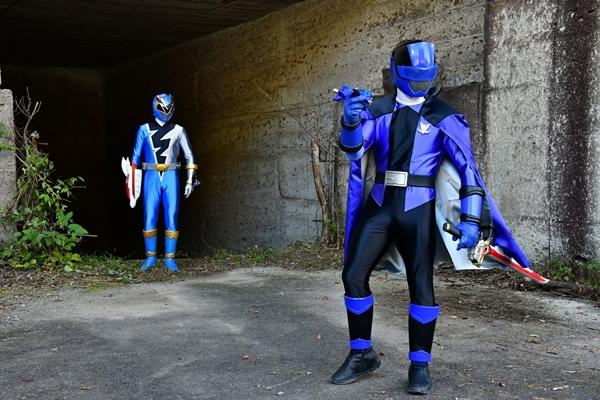 リュウソウブルー×ルパンブルーによる互いの武器を入れ替えたブルー同士の共闘シーン