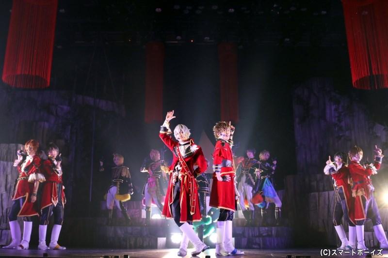 芝居の後は、Six Gravity・Procellarumのパフォーマンスが楽しめるダンスライブへ!