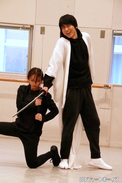 小松さんと今泉さんによる緊迫の殺陣シーン