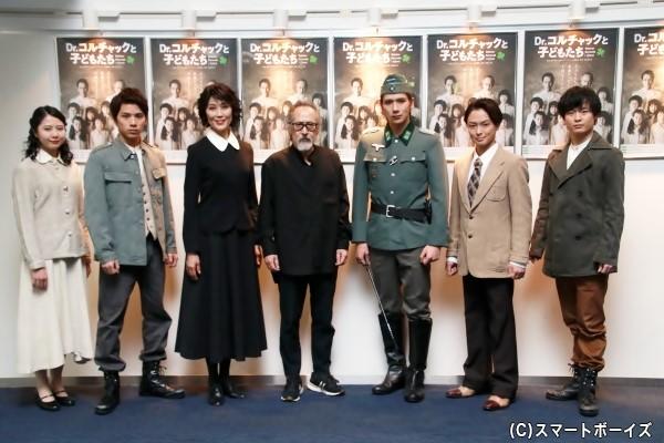 (左より)近藤美鈴さん、新正俊さん、日向薫さん、栗田芳宏さん、松田岳さん、田渕法明さん、石田直也さん、