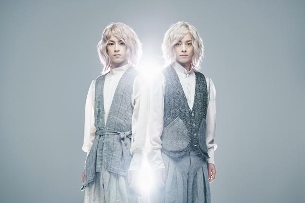 (右)テンペル役の永田崇人さん (左)タットル役の阿久津仁愛さん