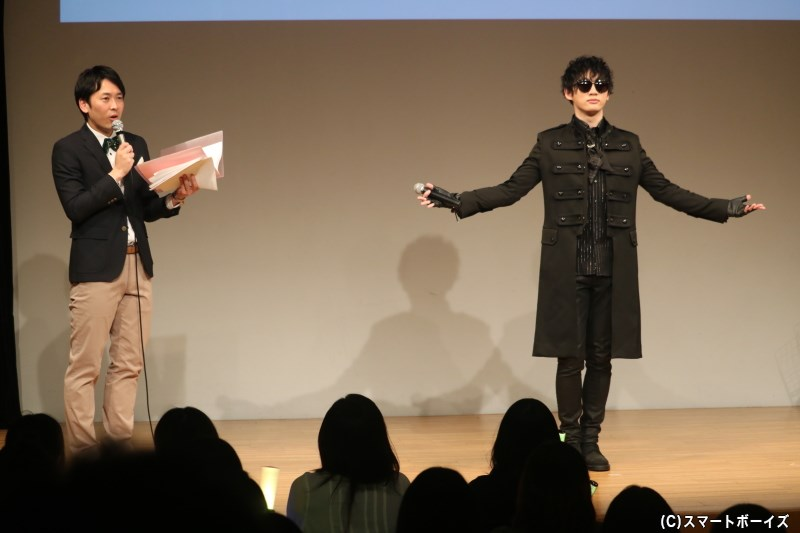 和合プロデューサーとは入れ違いで、Gスターが会場へと現れます
