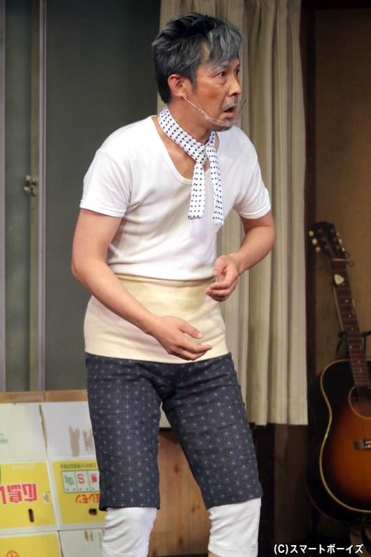 島原三郎(ベージュ)役の安芸武司さん