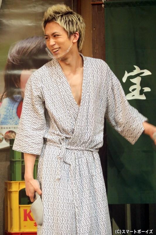 赤倉利明(グリーン)役の鐘ヶ江洸さん