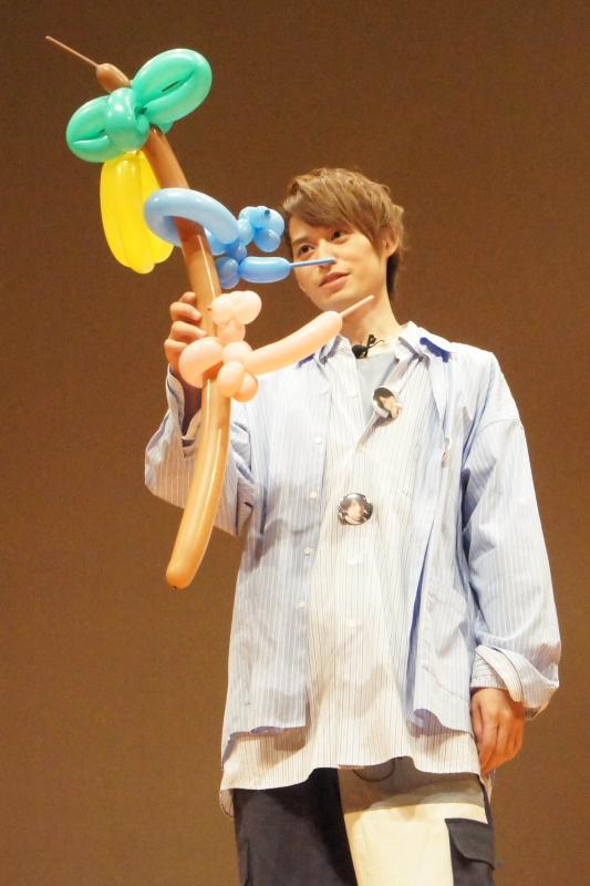 """高本さんの作品、""""ヤシの木なのにバナナがついている""""という点はご愛嬌?(笑)"""