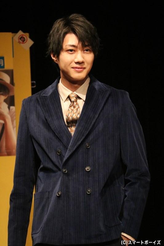 モデルとしても活躍する小坂さんが、客席でのランウェイウォークも披露!