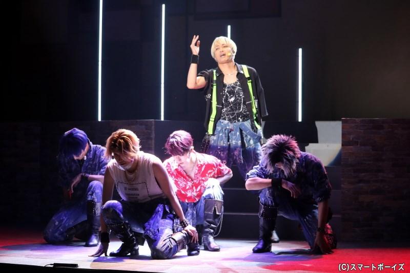 力強いダンスと歌で圧倒する、イケメン揃いの『NAGU:RHYTHM』
