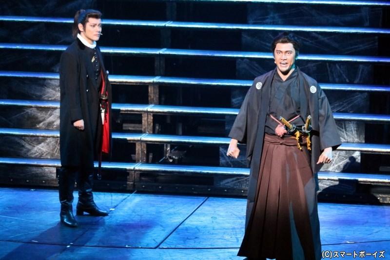 (左より)土方歳三役の高木トモユキさん、近藤 勇役の小柳 心さん