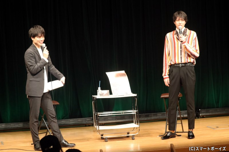 小坂さんの親友・永松文太さんをMCに、楽しいトークを聞かせてくれます