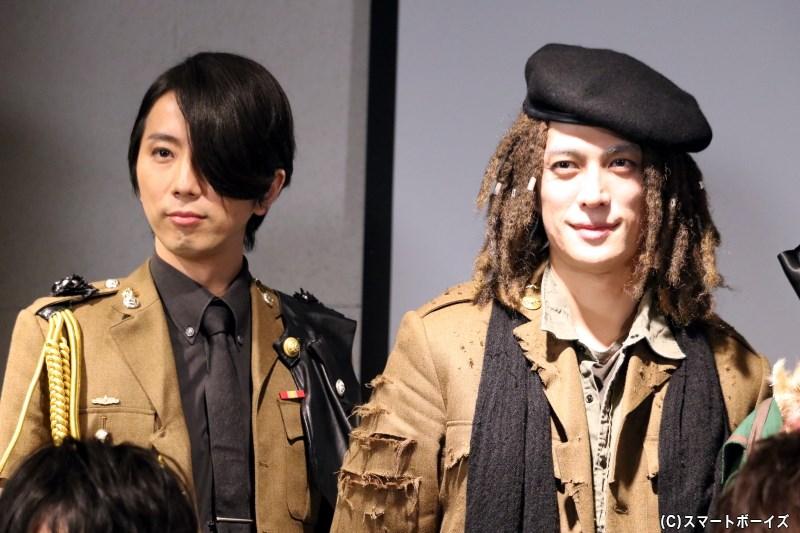 (左から)ローク役の岩田有弘さん、マークツー役の君沢ユウキさん