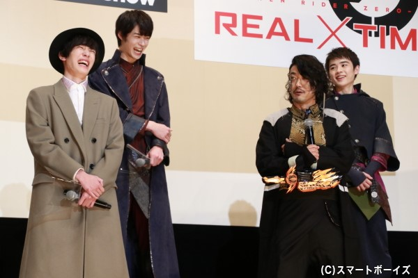谷口さんが最初の挨拶で「仮面ライダーアマゾンアルファ/鷹山仁役の……」とボケて、内藤さんらセイバーキャストは大爆笑