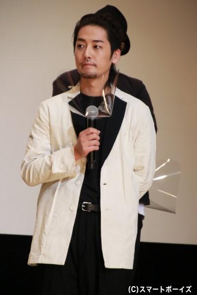 ベル / 仮面ライダーアバドン役の福士誠治さん