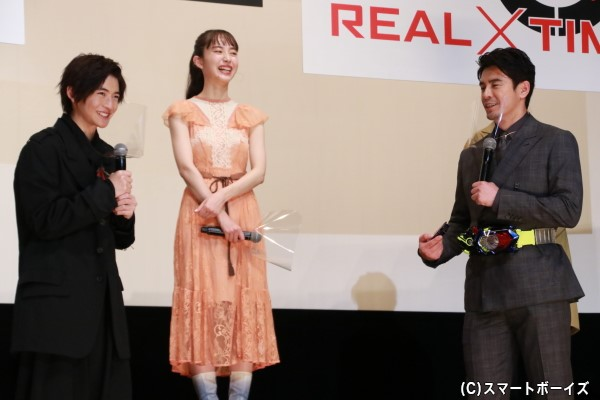 大の仮面ライダーゼロワンファンの伊藤さんと子供の頃から伊藤さんを見ていたという高橋さんによる戦いは注目!