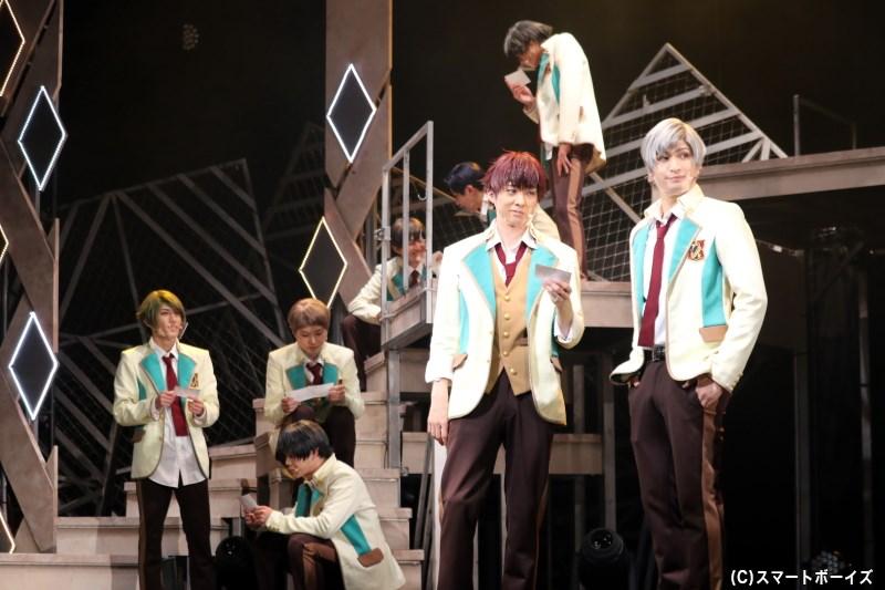 team楪&team漣が綾薙祭での写真を眺めていると、あることに気付き……