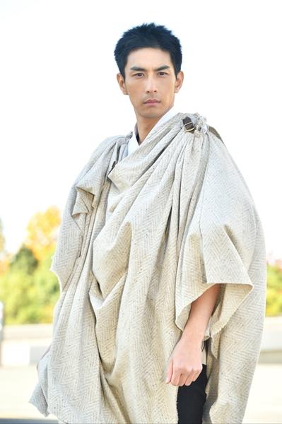 """""""仮面ライダー最光""""に変身するユーリ役の市川知宏さん"""